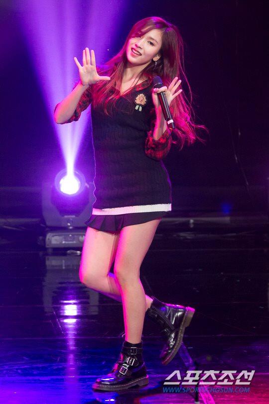 MBC標準FM「女性時代」に出演中のTWICEミナ